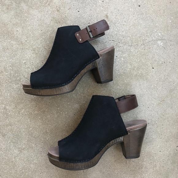 3a8ae23ac71 Dansko Shoes - Dansko Reggie Peep Sandal - Black Milled Nubuck